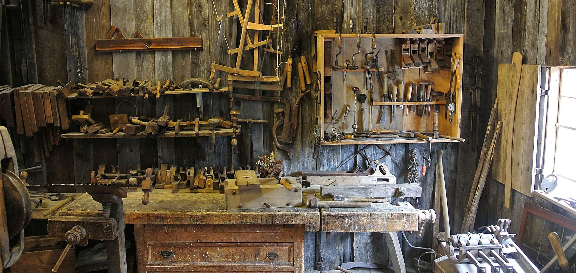 internal image showing wood working equipment